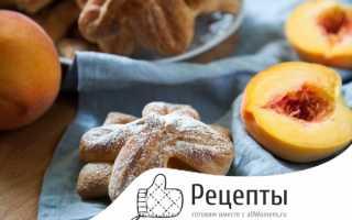 Слоеное тесто с персиками свежими
