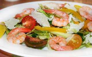 салат из морепродуктов и пекинской капусты